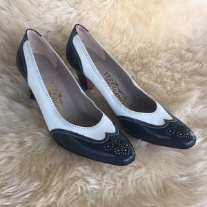 Vintage Ferragamo wingtip oxford heels
